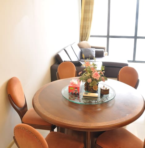 Modern condo, city center, great location! - Bangkok - Lägenhet
