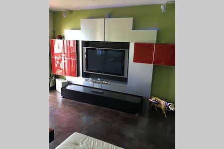 903 Harbour House Ultra MODERN weekend - Freeport - 公寓