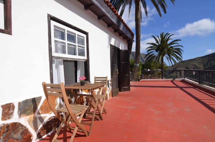LOS TELARES - Attic by swimming pool and gardens