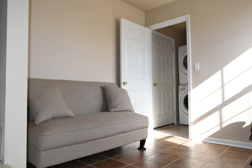 Entry way and laundry room