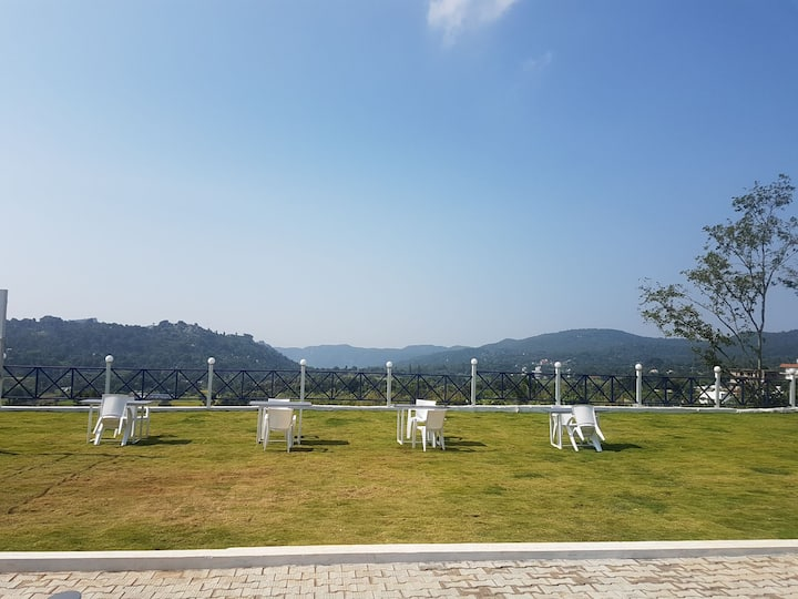 Sarvakaya Luxury Hill Resort