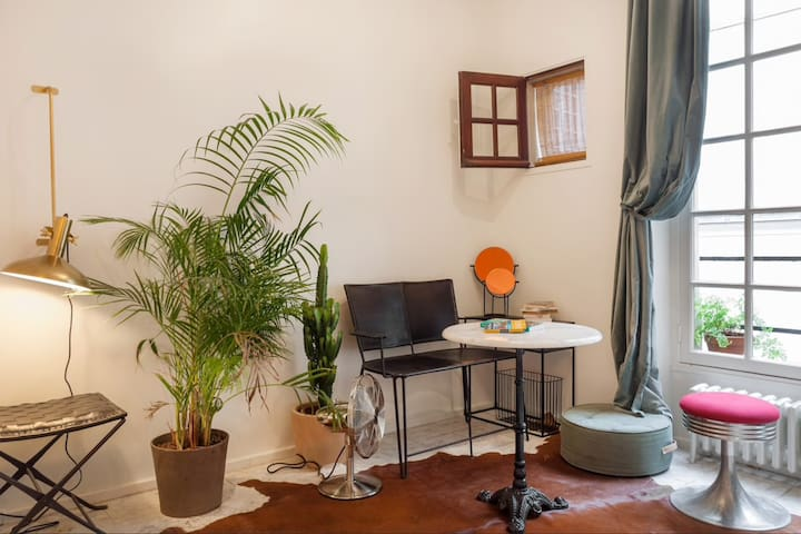 Studio in the centre of marais