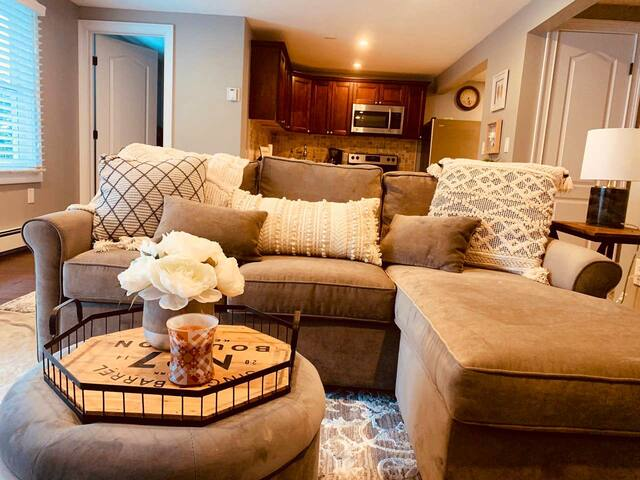 Spacious one bedroom renovated unit available.