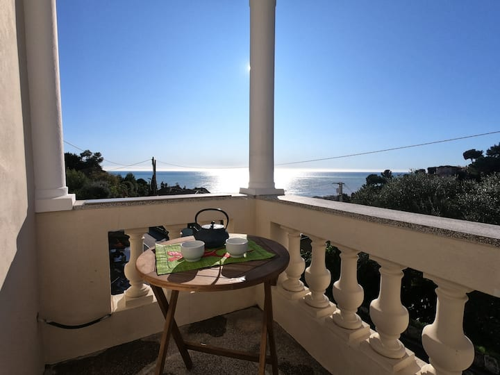 Room in nice flat with seaview -for peaceful stay