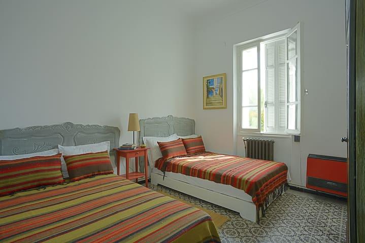 """Maison d'hôtes """"Villa Les Palmes"""" /Chambre SALOUHA"""