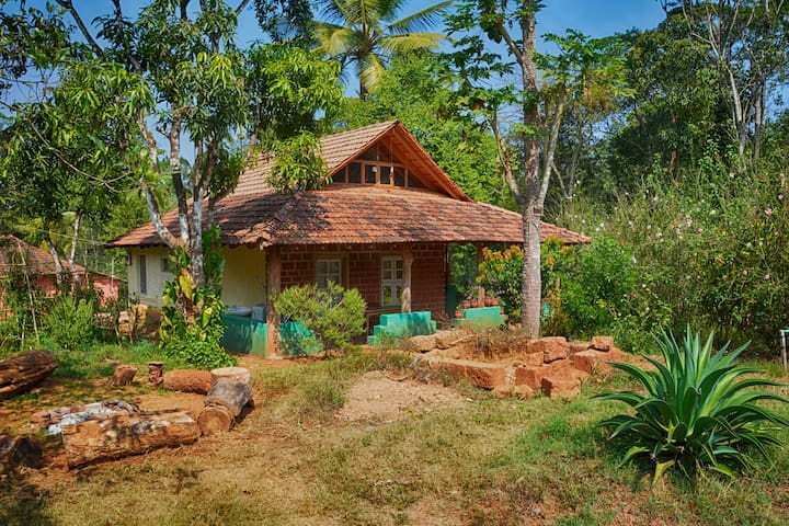Cottage in the western ghats - Madikeri