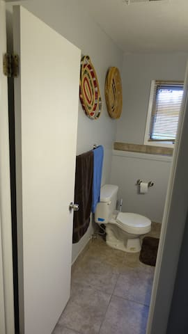 Bath Entry and Commode