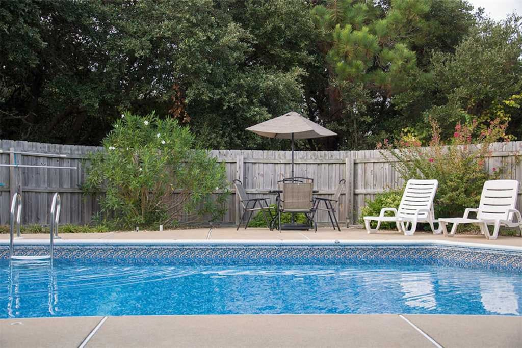 WH609: The Whalecome Inn | Pool Area