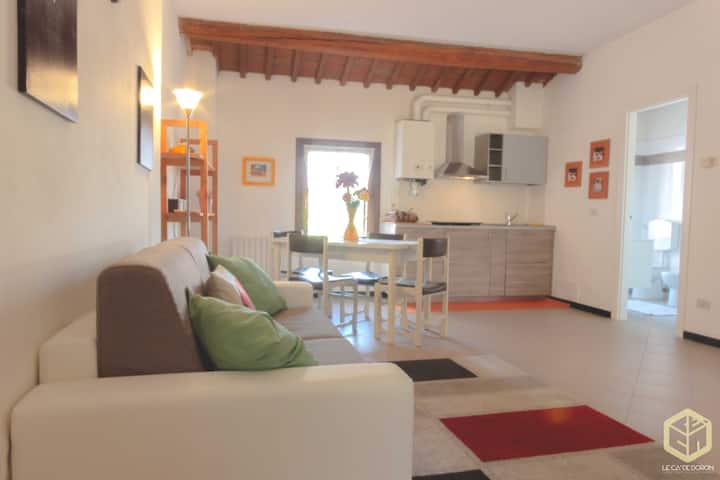 "Cosy Apartment ""Le Cà De Boron Comfort Apartment"" near Historical Centre with Wi-Fi; Parking Available"