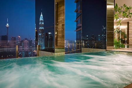 3BR 6 Pax Stay at Luxury KLCC view + FREE WIFI - Kuala Lumpur