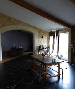 Belle maison en pierre - Podensac