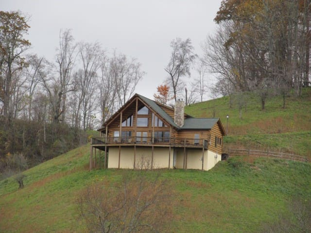 Mockingbird MT. AMAZING VIEWS, watch hang gliders! - Boone - Cabin
