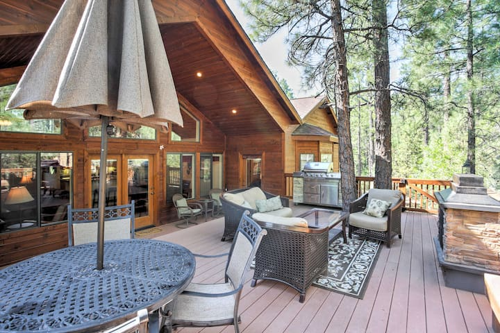 NEW! Peaceful 3BR Show Low Cabin w/Furnished Deck
