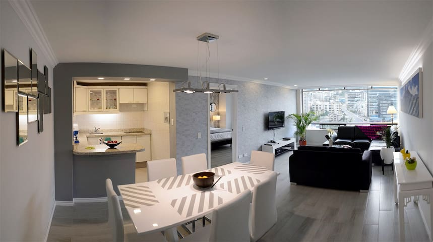 Modern suite. 7th floor Quito commercial downtown