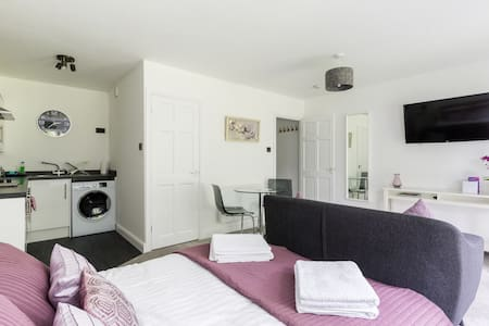 Studio Apartment - NEC/Solihull/Airport/Birmingham