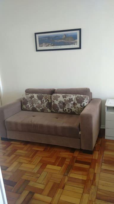 Sofá cama de casal muito   confortável