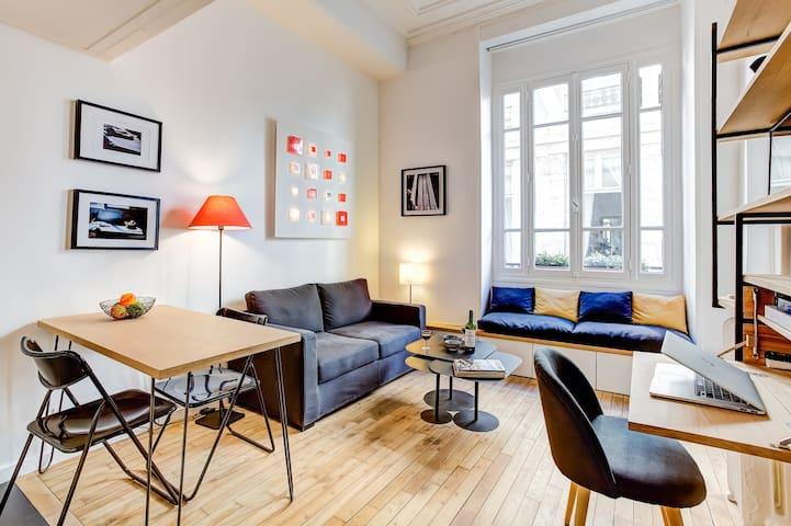 Bright and airy flat in Saint-Germain-des-Prés