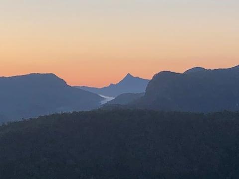 Beechmont Mountain View Chalet