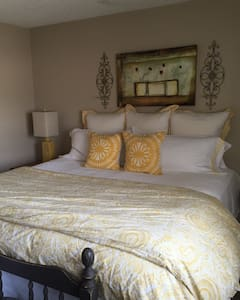 Master Suite in the heart of Old Town Scottsdale - 斯科茨代尔