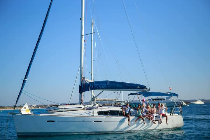 Excelente barco para alquilar en Ibiza