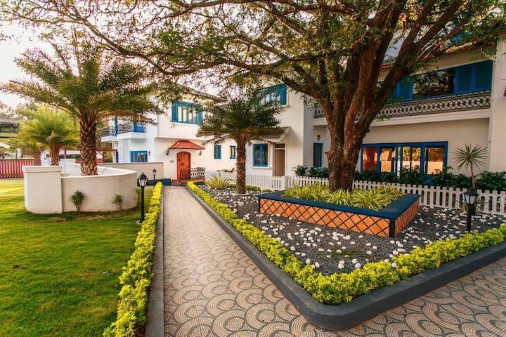 Luxury Villa With Private Pool in North Goa