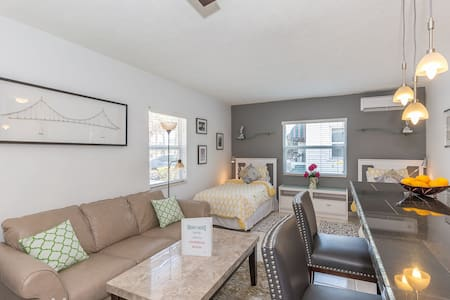 Beautiful Northern View Studio - Apartament