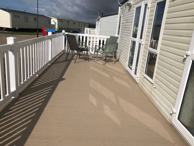 Romney Sands Holiday Caravan At Greatstone on Sea