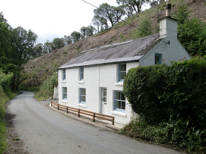 Wood Cottage, Amroth.