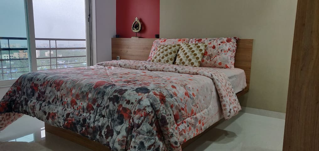 Homely stay with affordable price. Private Room