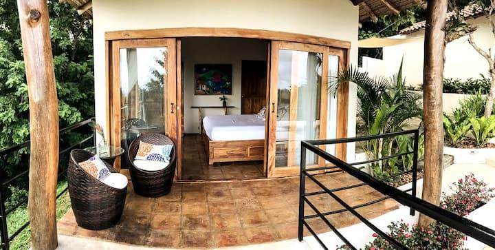 Private Cabin at Hillside Villa w/Stunning Views