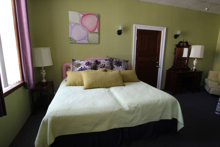 Suite Dreams at Dream Weavers