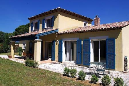 Beautiful Family Villa with garden - Saint Cezaire