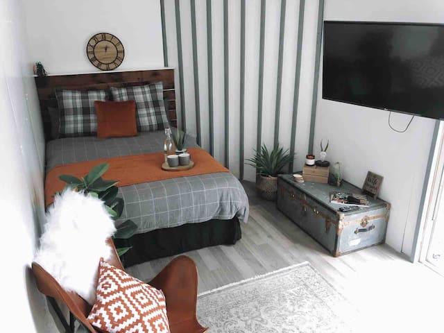 Luxury Garden Flat, stylish, comfortable & cosy