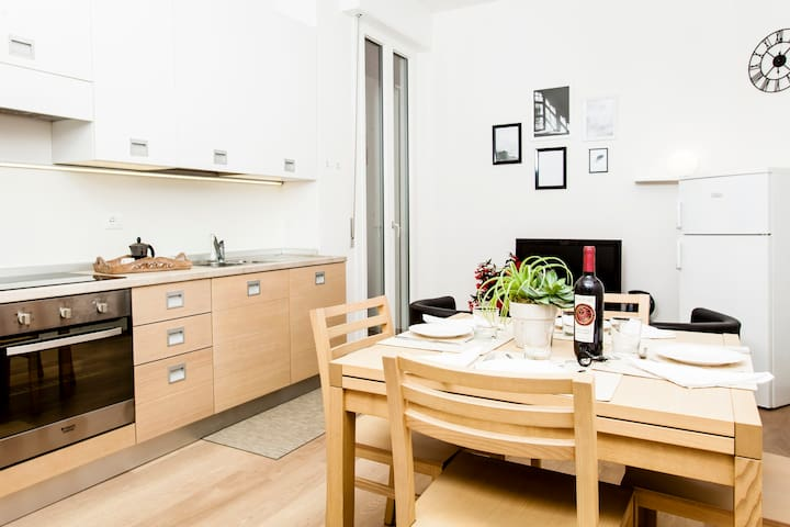Civico2. Cozy and comfortable apt near city center