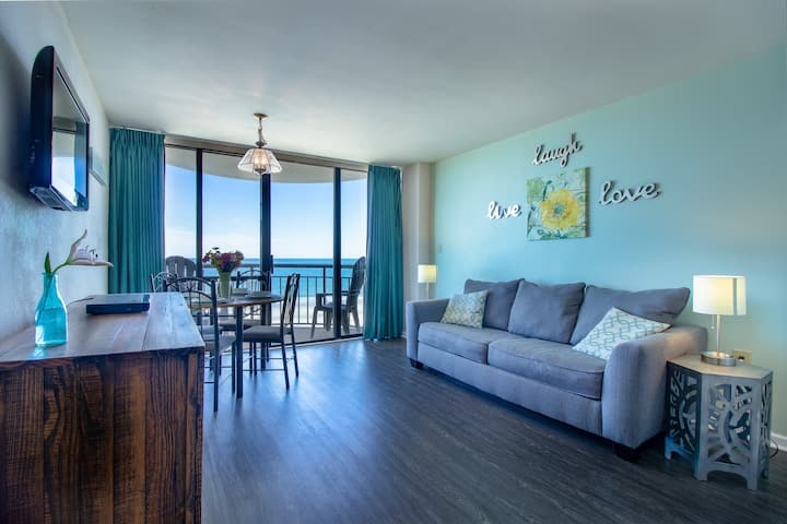 Stunning Oceanfront Condo - Steps to the Beach