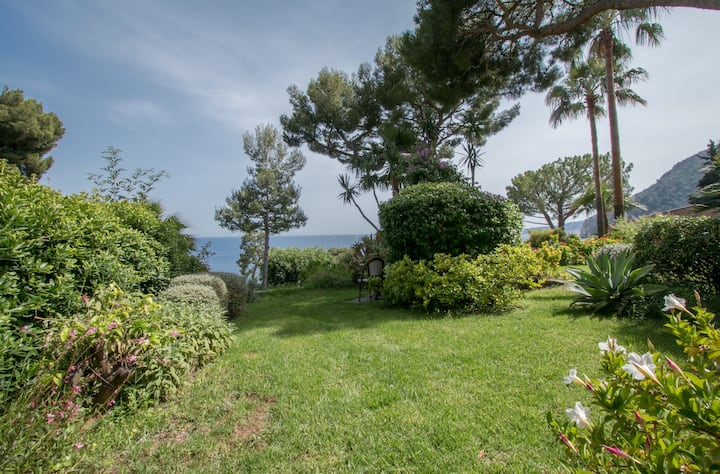 Villa Serva / Charming Villa in a secure residence with sea view