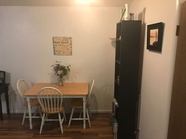 Cozy 1 bedroom apartment - Provo - Apartamento