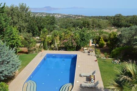Your Home in Crete!! Villa Ioli Near the Beach - Prines