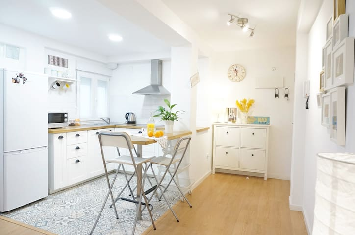 Charming & cozy flat perfect for discovering Vlc