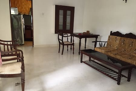 Ground floor appartment AC in a Villa with rooftop - Hikkaduwa
