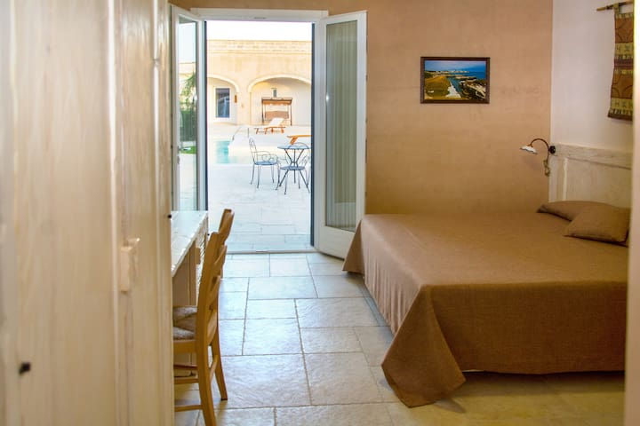 Room for three or four guests. - Martano - Bed & Breakfast