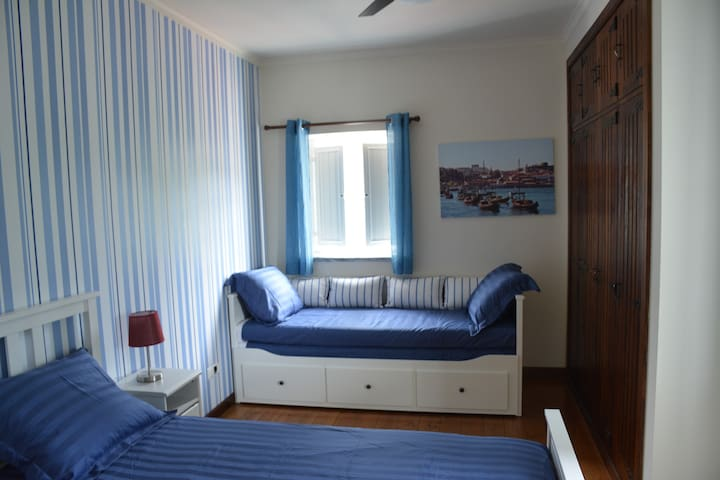 B&B Quinta do Rio Alva - White Blue Stripes