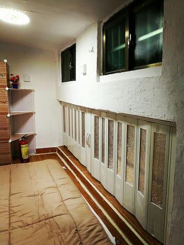 新装修西门口地铁站小型复式独立屋 - 广州市 - House
