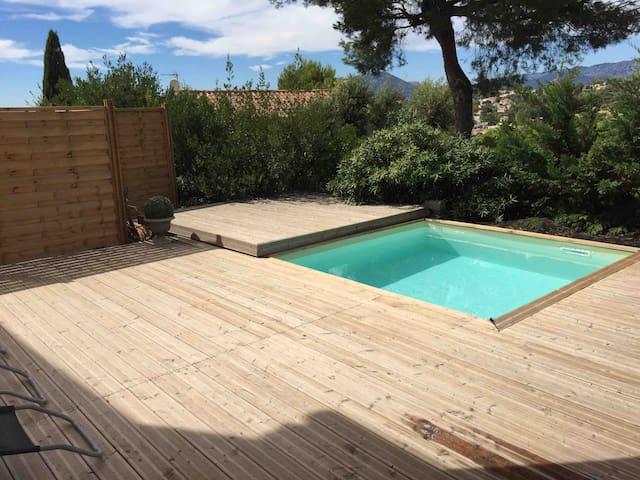 Appartement proche mer avec piscine