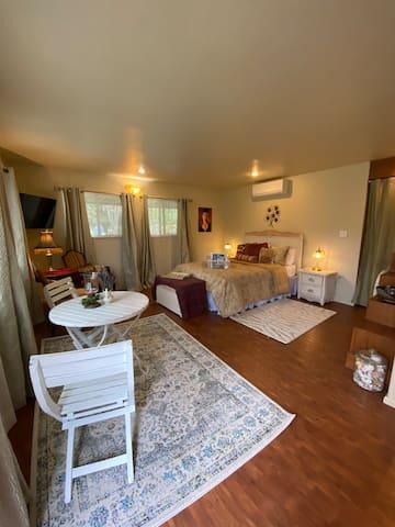 Bedroom/dining suite