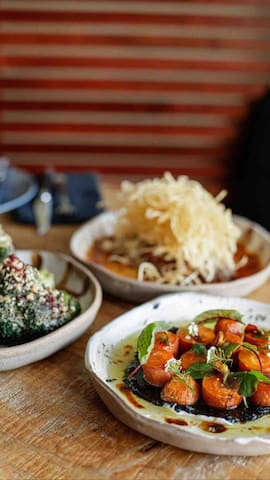 Yamba has a vibrant finding scene most of which is within 10 minutes walk of our home.  This is Karrikin, a locally owned & operated restaurant serving feel good food from local produce, designed to be shared amongst friends and family.