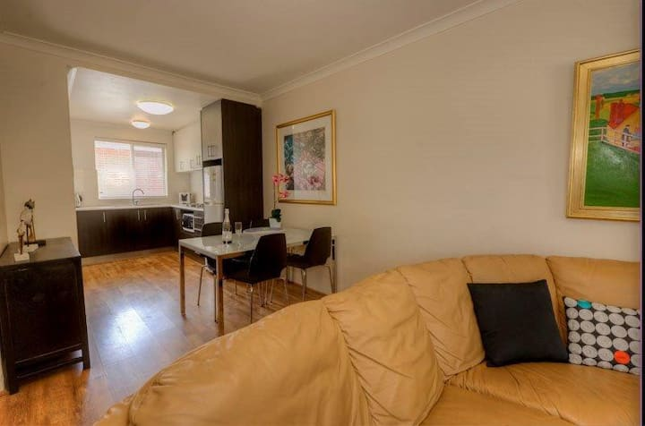 Superb Mt Lawley 2-bedroom apartment  -Cen2