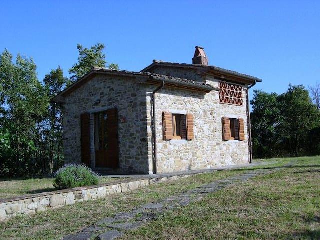 Il Cielo di Montemiliano - Monolocale con giardino