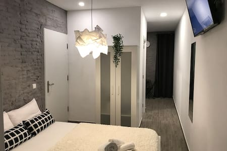 Small apartment with Jacuzzi internet Free Wifi C1
