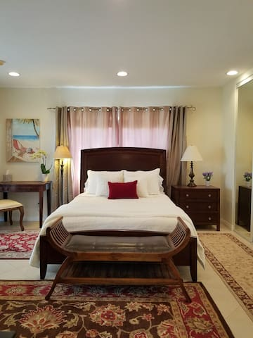 *Special Discounts* Private Room Near Beach